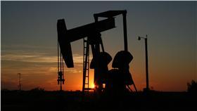油價崩跌,原油圖/CC0 License