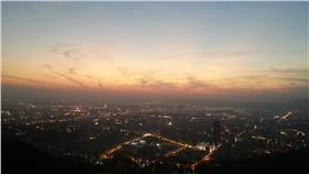 白雲山莊夜景