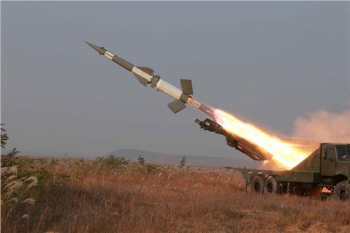 北韓,試射,飛彈,潛水艇,導彈飛彈,金正恩,原能會,輻射(圖/路透社/達志影像)
