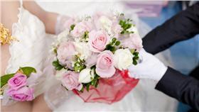結婚-https://www.flickr.com/photos/iamchu/12114479475/in/photolist-jsvSFM-o8tb7S-a7AWe8-8r7NMK-8bNEbC-fezM69-4BgsBB-gqtWby-jFzpKf-nck2nG-nci5wa-nybjHJ-9V4Jpz-cMfaSY-h3q6Tj-qr9DuU-dCENaJ-nYxC7v-e8UY8x-crFdgw-8sRwmE-91fGxq-ej6CV3-fuhHD7-nDsM5e-92x3RG-5HHjzS-jTAsoD-bmMkMr-fyfkUi-fMrJPZ-bmMi4t-ej6bBa-tqxNBG-5ay84u-5HH9uq-92x2TS-Bg8Bep-gWVx7-5ur8J-3ihTU-aLyJ88-bmMejp-av9raM-CSQDS-nqpyQ5-nauVwV-cz1C1j-6Q7jqw-naftdj