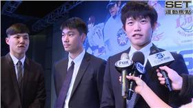陳冠宇(右一)記者姜信宇攝