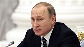 普丁遭爆料可能是戀童癖 翻攝自每日郵報 http://www.dailymail.co.uk/news/article-3411766/Litvinenko-claimed-Putin-caught-film-having-sex-boys.html