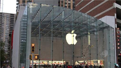 Apple store蘋果/flickr-matt buchanan(https://www.flickr.com/photos/mattbuchanan/4098238845/in/photolist-7f9xCr-5r6RYe-27YN1-22NfW8-7f9x7p-7fdot3-Syhc5-6qhTmq-7f9wu4-7f9xdn-7fdpiS-7f9wb6-7fdoYL-74tdVU-8VikJ8-7fdoQS-pFNuJi-nKVKqV-5pr9Qh-7f9wHT-7fdoFN-o5cxYF-7f9x1k-guThP-c7hys-gZzEUR-9bbDw8-atsvzj-9sgzF-d6Y7UN-7f9x5i-7f9vT6-zWEzN-dKKvuH-suLcJ-dLxppW-eMXZhA-7k7jd7-dKKwf6-dKR1tQ-8r2GZ2-8mix2c-21AQH6-kB1Ftn-jJHWuN-2suQp6-5RCQLj-dUbiNV-4XNzAs-fEhEXP)