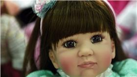▲泰國鬼娃娃。(圖/翻攝自cnn) http://edition.cnn.com/videos/world/2016/01/27/thai-smile-airways-luk-thep-doll-sdg-orig.cnn