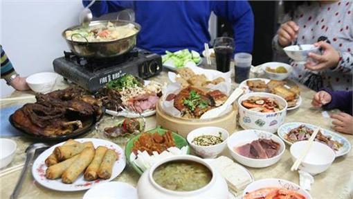 圍爐、聚餐 ▲圖/攝影者佳祥 王, flickr CC License https://www.flickr.com/photos/migasun/12220009744/
