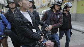 香港旺角警民衝突,魚蛋革命 圖/美聯社/達志影像