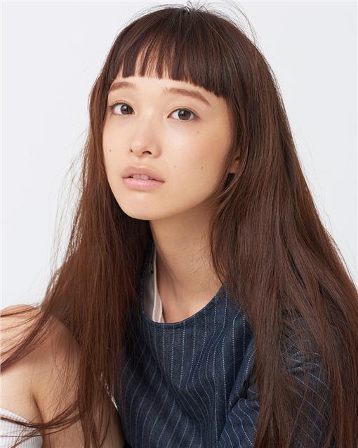 2016絕對不可忽視的模特兒 Yuka Mannami  圖片來源Models.com https://models.com/newfaces/dailyduo/45623