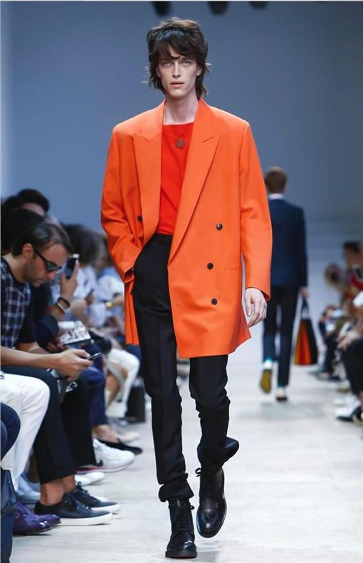 2016絕對不可忽視的模特兒Reuben Ramacher圖片來源Models.comhttp://models.com/work/paul-smith-paul-smith-ss-16-mens-show/408764