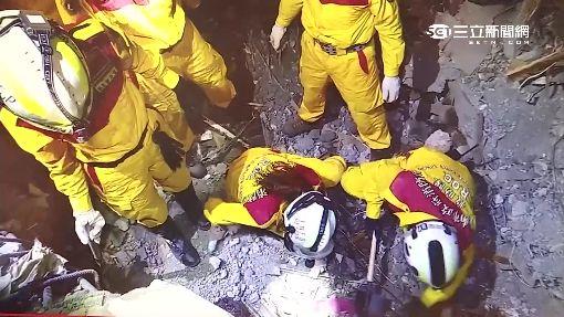 不忍好友埋瓦礫! 台南女消防員徒手挖屍