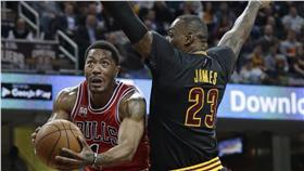 LeBron James,Derrick Rose(ap)