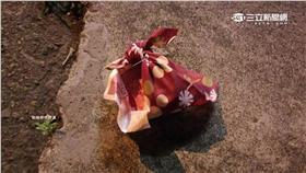 ▲家屬求冥婚 撿走紅包竟是「她」!(圖/翻攝自蔡滕臉書) 冥婚,紅包,改運