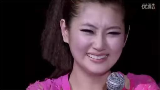 Selina,張承中,S.H.E.,SHE,求婚-翻攝自youtube https://www.youtube.com/watch?v=pSP0eBwiDEs