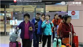 桃園機場、觀光客、陸客(圖/記者王怡翔攝)