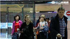 桃園機場、觀光客、陸客、外國觀光客(圖/記者王怡翔攝)