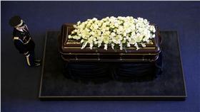 美國前第一夫人南西雷根(Nancy Reagan)靈柩(圖/美聯社/達志影像)16:9