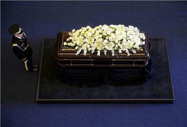 美國前第一夫人南西雷根(Nancy Reagan)靈柩(圖/美聯社/達志影像)