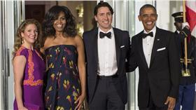 加拿大總理杜魯道(Justin Trudeau)夫婦、美國總統歐巴馬夫婦(圖/美聯社/達志影像)16:9