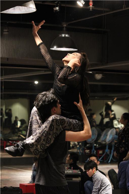 ▲《釵》CHAI PARTY,表演形式非舞台劇也非音樂劇,而是台灣前所未有的互動式表演秀。(圖/Fanily粉絲玩樂提供)