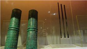 上海郵政博物館前身為上海郵政大樓,1924年完工,是 中國建造最早、規模最大的標誌性郵政建築物之一。圖 為館內陳列中國古代通信仿製品。 (資料照片) 中央社記者馮昭上海攝 105年3月20日 16:9
