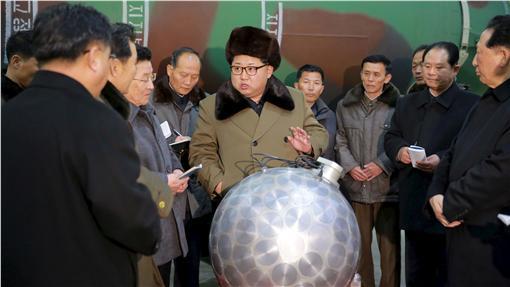 金正恩,北韓,飛彈(圖/路透社/達志影像)