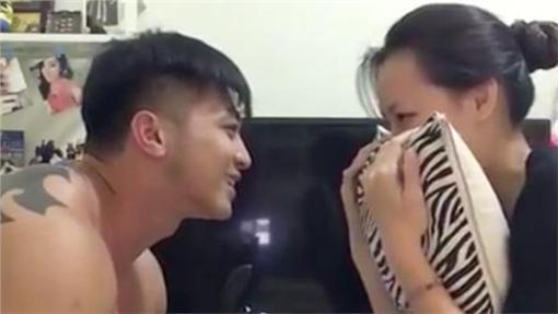 劉雨柔健身教練男友求婚/臉書