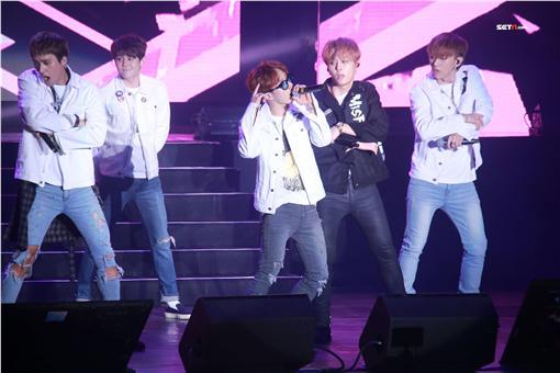20160404-南韓野獸派男團「BEAST」晚間在台大體育館開唱