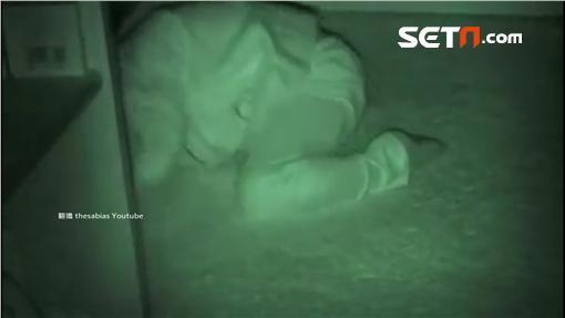 slug:夜半鬼瑜珈1800瑜珈,詭異,折手,睡眠障礙,痠痛
