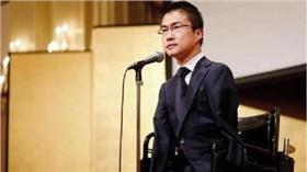 乙武洋匡生日會致詞  翻攝自daily.co.jp http://www.daily.co.jp/newsflash/gossip/2016/04/05/0008960901.shtml