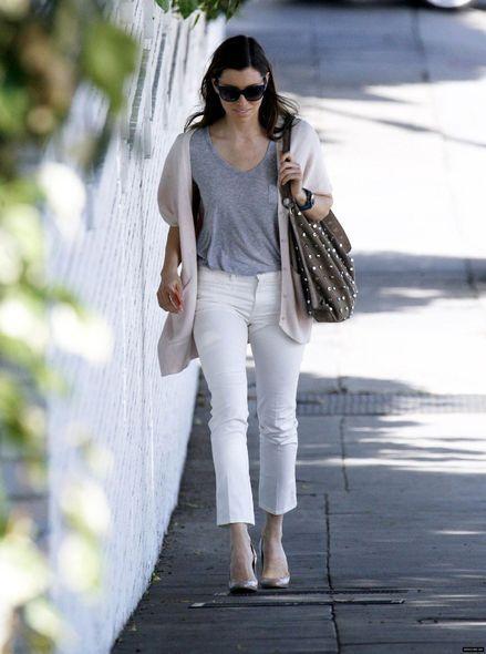 潔西卡貝兒翻攝自denimologyhttps://denimology.com/2010/04/jessica_biel_in_mih_jeans_1