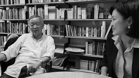 國民黨籍立委柯志恩7日前往清大教授李家同研究室,針對十二年國教向他請益,李家同說,讓學生學會比學完更重要。