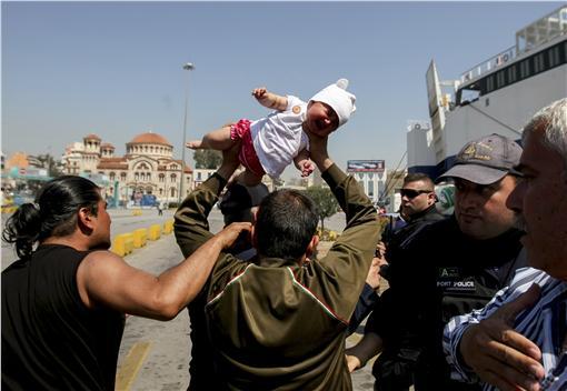 難民 嬰兒 美聯社/達志影像