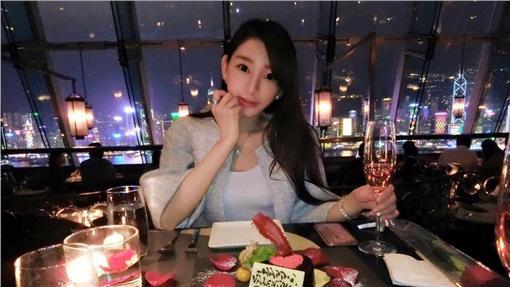 陳冠希舊愛謝芷蕙,甘願為富商男友淡出演藝圈。(圖/翻攝自Cammi Tse 謝芷蕙臉書)