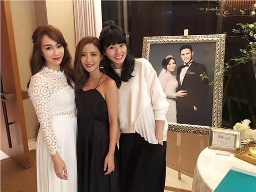 梁文音,黃美珍,林佩瑤,李千娜/臉書
