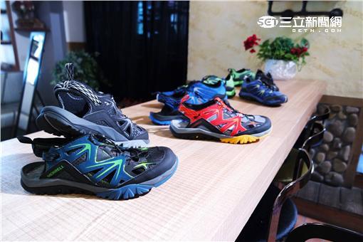 ▲美國戶外品牌MERRELL在12日舉行記者會,發表跨越戶外運動與休閒界線,稱霸業界的水陸鞋款。(圖/李鴻典攝)