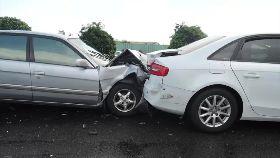 國道15車撞1200