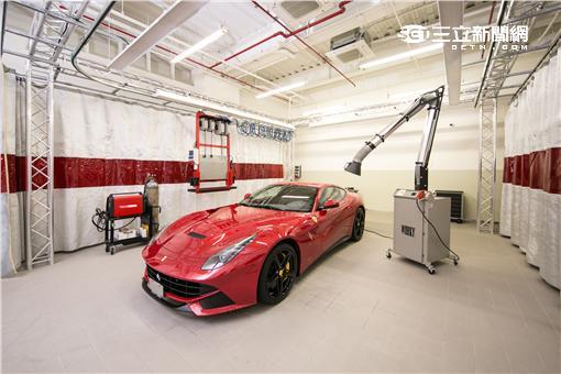 ▲F1冠軍車手親臨台灣 Ferrari法拉利颳超跑旋風。(圖/法拉利)