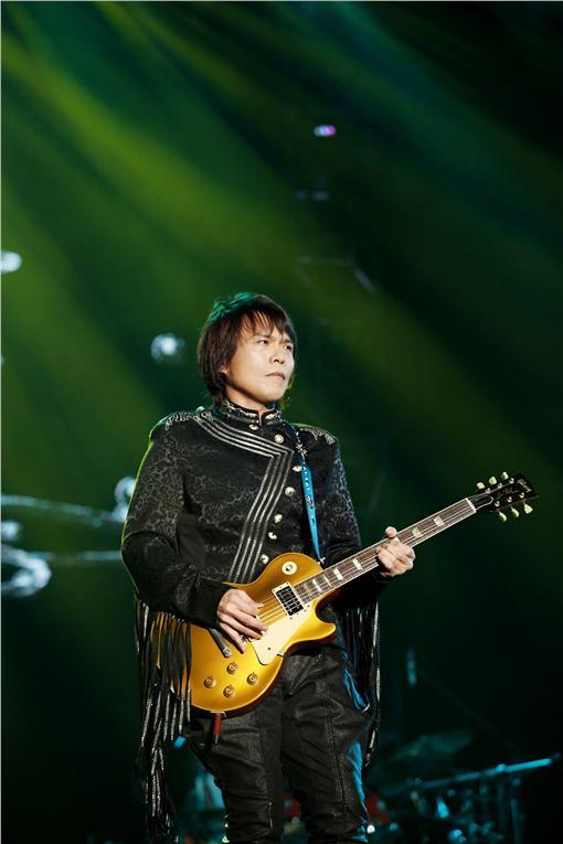 伍佰 & China Blue「搖滾全經典之雙面對決演唱會」國語場/環球提供