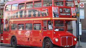 英國,倫敦,雙層巴士,雙層公車(圖/翻攝自維基百科) https://zh.wikipedia.org/wiki/%E5%8F%8C%E5%B1%82%E5%85%AC%E5%85%B1%E6%B1%BD%E8%BD%A6
