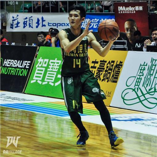 SBL台啤隊選手蔣淯安(圖/翻攝自超級籃球聯賽 SBL臉書)