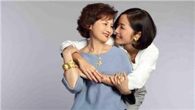 周大福,母親節,媽咪,黃金康乃馨▲圖/業配