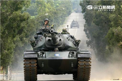 M60A3型戰車是由M60A1型戰車改良型,為我國向美國採購之陸軍主力戰車,其主要的改良為射控系統、新式雷射測距儀配合彈道計算機,具備夜戰能力並可於核生化狀況下履行作戰,使其第一發命中率大幅提昇,為我國目前主力戰車之一。(記者邱榮吉/攝影)
