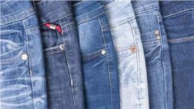 牛仔褲、鉚釘/達志影像/美聯社
