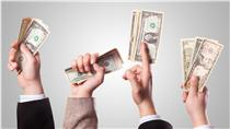 美元、美鈔、理財、金融、錢、財經、經濟(圖/攝影者PRO401(K) 2012, flickr CC License  https://www.flickr.com/photos/68751915@N05/6848823919/)