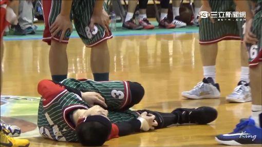 蕭敬騰打籃球傷右膝 表情痛苦被抬下場