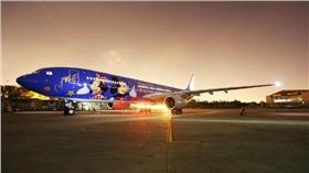 迪士尼彩繪機/中國東方航空官方微博