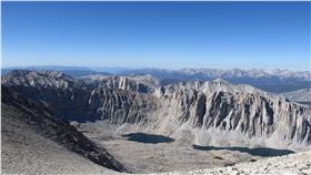 Alpine Fault紐西蘭阿爾卑斯斷 https://www.flickr.com/photos/kenlund/9511944140/in/photolist-fuxcAU-fuhHzB-fux85w-fux7dW-fux1vm-fuxdzy-fuxiDL-fuxefy-fuxbgW-fux8hW-fuxe2f-fuhXQn-fuhvhV-fuhuDk-fuhG8c-fux6qh-fux1PU-6WjHN-awRg9L-fuhTrK-fuht3V-fuhZEZ-fux6Bo-fuwMjy-fuhtQx-fuxdnQ-fuwMs1-fuhU2x-fux1cU-fuhv1a-fuhGqn-fuwXb9-fux1DA-fuhTQT-fux7oo-fuhRdr-fuxhUY-fuhsUc-fuwXU9-fuwWSy-5LcR93-5LcR8o-fuwMC7-5L8AVt-5LcRbY-5L8ASp-5L8AUF-fuhCAF-5LcRb1-fuwWHm