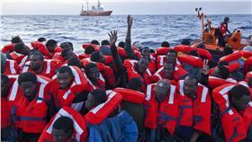 移民、難民、求救、SOS/達志影像