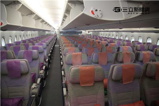 阿聯酋航空自即日起天天以可搭載615名乘客的空中巴士A380飛航台北—杜拜航線。(圖/記者簡佑庭攝影)