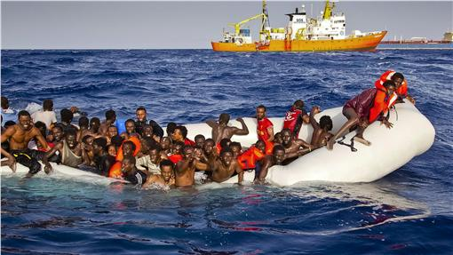 移民船、地中海/美聯社/達志影像