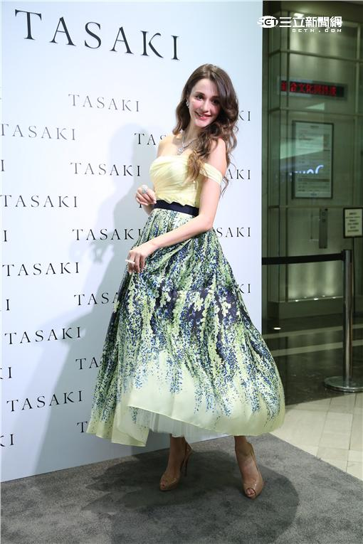 瑞莎宣佈懷孕首次公開露面出席珠寶品牌活動